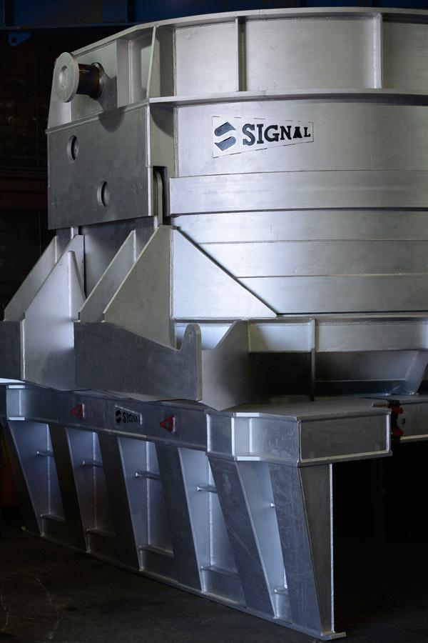 Custom Steel Mill Scrap Charging Buckets With Pallet